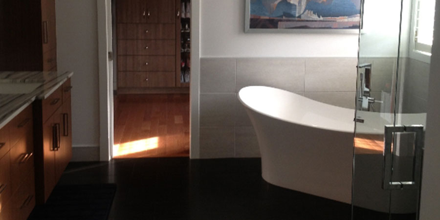 Ensuite Bathroom Tub